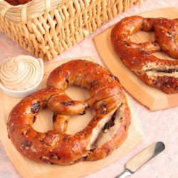 CA-Raisin-Walnut-Pretzel-350x350