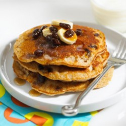No-mess-Banana-Nut-Pancakes-Cinnamon-Raisin-Syrup-350x350